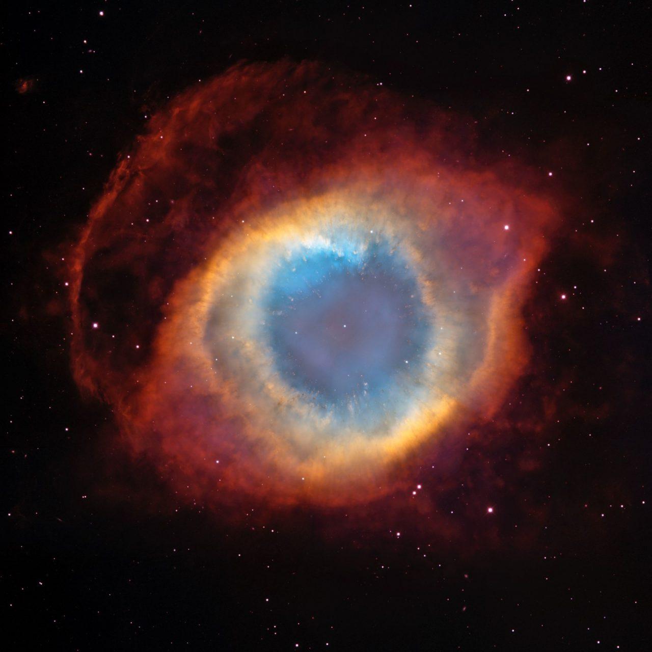 Nebulosa da Hélice, na constelação de Aquário, é a nebulosa planetária mais conhecida.